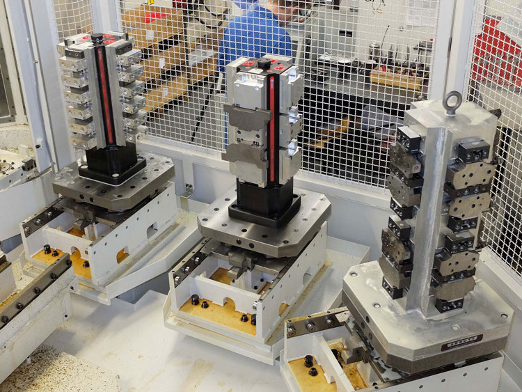 Multiplicity of workplace clamping solutions for flexible machining