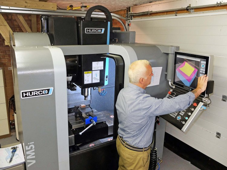 Hurco machining centre fits into tight space - Clever Machinery