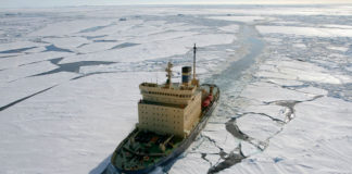 ice breaking ship